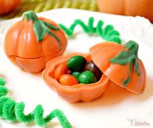 Pumpkin-candy-box-closeup